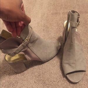 Beige brown heels